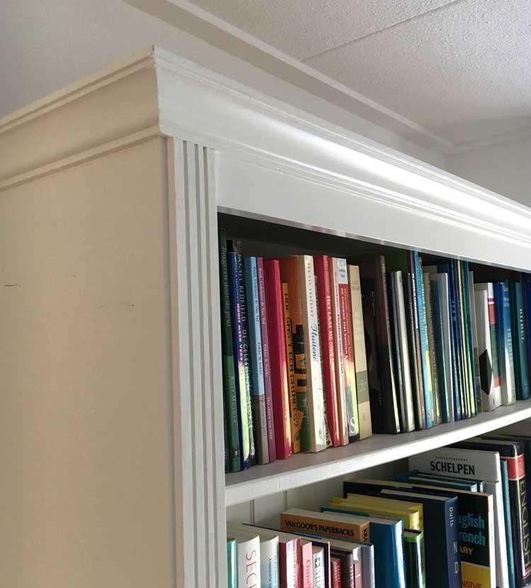 Boekenkast met keeplatten