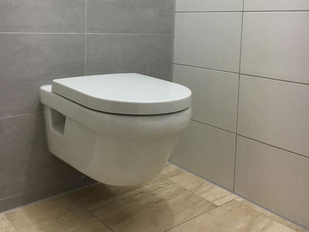 toilet vernieuwen zwart onderhoud menaam